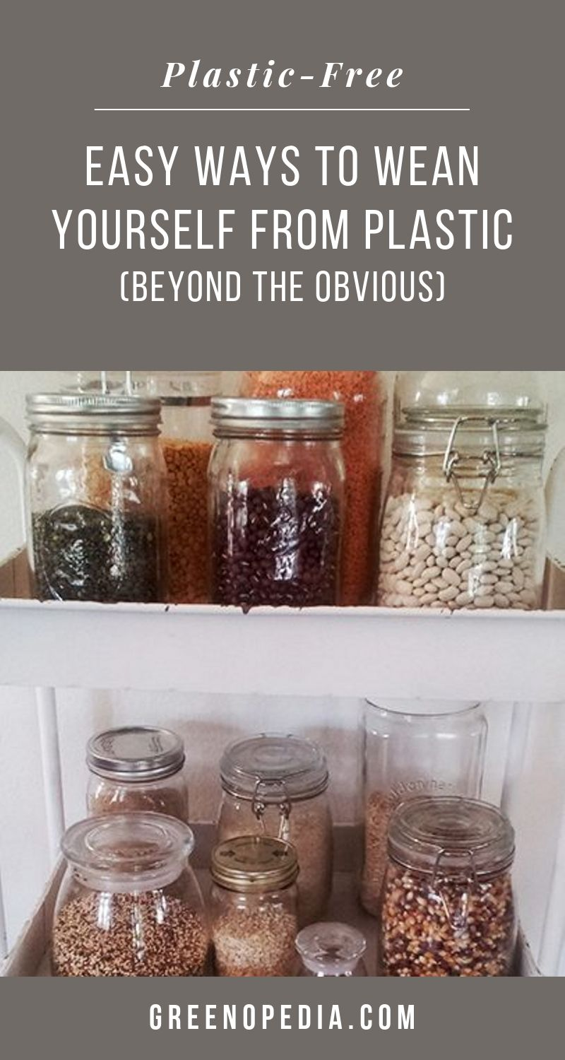 Easy Ways to Wean Yourself from Plastic (Beyond the Obvious) | We may never rid ourselves of plastic entirely, but there are plenty of plastic-free alternatives that are pretty easy to swap out. | Greenopedia #plasticfree #plasticalternatives via @greenopedia