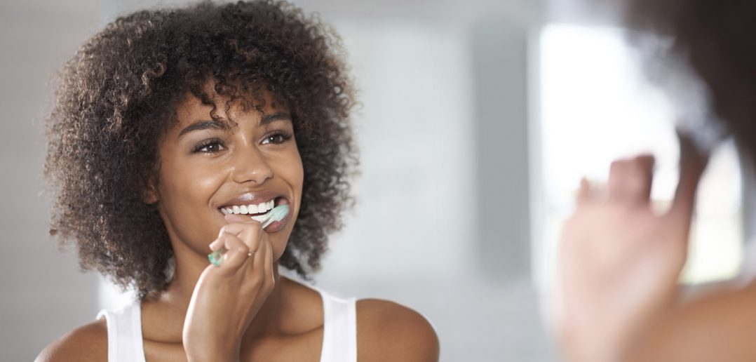 Natural plastic-free toothbrushes