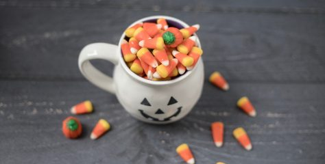 10 Natural Candies to Hand Out on Halloween… that Kids Won't TP Your House for